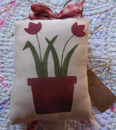 Primitive SPRING Pillow Tuck Folk Art Tulips Wallhanging Mothers Day Gift Idea #NaivePrimitive #auntiemeowsatticprims