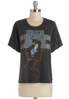 Ode to The Boss Tee. You grew up listening to his salt-of-the-earth vocals, so show your love by proudly sporting this Bruce Springsteen and the E Street Band tee! #black #modcloth