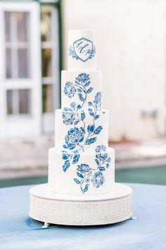 Floral Wedding Cakes, White Wedding Cakes, Elegant Wedding Cakes, Wedding Cake Designs, Elegant Cakes, Floral Cake, Wedding Cake Decorations, Wedding Desserts, Wedding Snacks