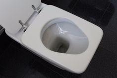 Tipps, Tricks und Hausmittel um braunen Kalk im Klo zu entfernen.Jetzt dieToilette wieder richtig sauber bekommen und die braunen Ablagerungen einfach und natürlich entfernen. Häufig wird eine Toilette zwar sauber geputzt und scheint hygienisch rein, doch dort wo permanent das …