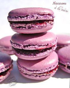 Macarons à la mûre Macaron Flavors, Macaron Recipe, Macarons, French Patisserie, Vegan Ice Cream, Cata, Pot Pie, Biscuits, Deserts