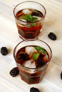 Hirschrudel Brombeer Drink alias Woodland Rider // herbal liqueur with Blackberry  by http://babyrockmyday.com/hirschrudel-brombeer-drink/