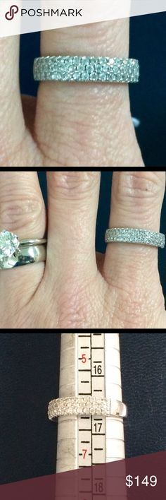 10k white gold pave diamond band ring 💍 Gorgeous 10k white gold pave diamond ring. Beautiful!! Jewelry Rings