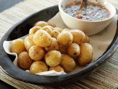 Fried Papas Criollas (Columbian-style fried potatoes). Tender and creamy, with thin wrinkly skins that burst open when you bite into them. #recipe