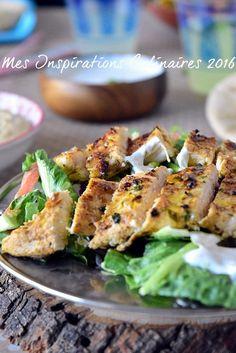 Recette Shawarma de poulet libanais et pain pita maison avec une salade libanais