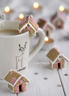 Super adorable mini gingerbread house mug topper cookies. #winter #Christmas