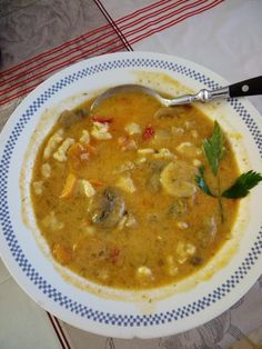 Bakonyi betyárleves, ha ezzel lepem meg a családot, még a gyerekek is esznek levest! Ceviche, Healthy Soup Recipes, Cooking Recipes, Ital Food, Winter Soups, Hungarian Recipes, Slow Cooker Soup, I Want To Eat, Diy Food