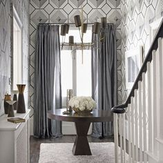 Elegant #geometric #wallpaper #gray #foyer #table