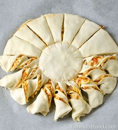 Pizza Puff Pastry Twists - Recipe from Yummiest Food Cookbook Pizza Puff Pastry Twists – Easy and nice way to enjoy pizza! Perfect for every occasion and a real hit for a party snack! Pizza Appetizers, Appetizer Recipes, Puff Pastry Appetizers, Puff Pastry Pizza, Savoury Puff Pastry Recipes, Pizza Twists, Pizza Recipes, Cooking Recipes, Twisted Recipes