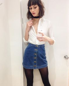 Pinterest: blabibi (☆_☆) White button down skirt stockings Fall spring