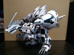 Zoids Kotobukiya 1/72 HMM model Geno Breaker Custom paint Zoids, Gundam 00, Cool Robots, Super Robot, Game Assets, Epoch, Pacific Rim, Mobile Suit, Resident Evil