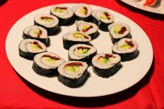 MY NATURAL PATH: Re-interpreted Japanese maki  #mynaturalpath #nature #vegan #veganfoodshare #veganfoodporn #whatveganseat #plantbased #nutrition #healthy #japan #maki #avocado #driedtomatoes