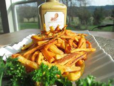 Saucy Mama Smoky Garlic Mustard Sweet Potato Skinny Fries (low fat, low calorie, gluten-free) from Tiffany Haugen #SkinnyMama. Visit www.barhyte.com