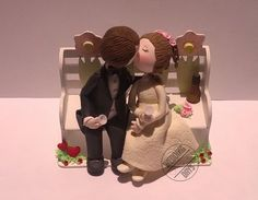Bench & kissing couple wedding cake topper by WeddingDaysShop #rose #romantic