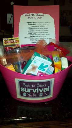 Butterfly Kisses and Tasty Dishes: Back To School Teacher Gift Idea Back school gifts School Survival Kits, Survival Kit For Teachers, Teacher Survival, Survival Mode, Survival Tips, Survival Skills, Teacher Gift Baskets, Teacher Treats, Teacher Gifts