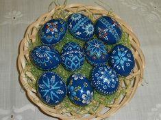 ručné práce | KRASLICE Coloring Easter Eggs, Egg Coloring, Egg Art, Patterns, Pointillism, Kunst, Diy Home Crafts, Block Prints, Pattern