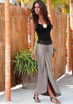Waistband detail maxi skirt On or off the beach you will look and feel effortlessly chic! Venus braided waistband maxi paired with embellished stretch sandal and hammered metal necklace.Embellished Waistband Maxi from VENUS women's swimwear and sexy cloth Mode Outfits, Sexy Outfits, Casual Outfits, Summer Outfits, Maxi Skirt Outfit Summer, Casual Jeans, Lace Skirt Outfits, Fall Outfits, Look Fashion