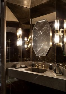 Modern home design Modern Luxury Bathroom, Bathroom Design Luxury, Home Interior Design, Bathroom Toilets, Small Bathroom, Bathrooms, Famous Interior Designers, Modern House Design, Bathroom Inspiration