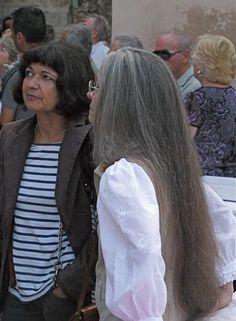 https://flic.kr/p/cKnNqY   Long gray hair, wonderfully straight anf soft - color photo