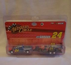 1/64 #24 Jeff Gordon 2008 Dupont truck trailer and car winners circle