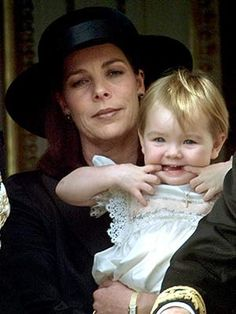 Caroline und Alexandra am 19. November 2001