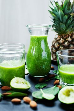 Green Smoothie Recipe  Handful Spinach 1/2 Avocado 1/4 of a Small Fresh Pineapple 10 Almonds 2,5 dl (1 cup) Coconut Water  Juice from 1 Lime