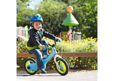 Une draisienne enfant qui se transforme facilement en vélo 12 pouces. Les freins adaptés aux mains des enfants et le carter de protection sont idéals pour les premiers tours de roues en sécurité.
