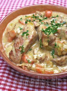 Les gourmandises d'Isa: BLANQUETTE DE PORC, AU VIN BLANC ET AUX FINES HERBES