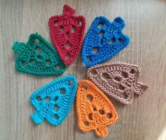 20191125_125226 Crochet Earrings, Form, Jewelry, Fashion, Little Flowers, Nice Things, Holiday Tree, Scarves, Handarbeit