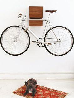 Wer sein Rad liebt, der schiebt – oder hängt sich's an die Wand.