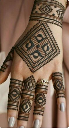 Mehndi henna designs are always searchable by Pakistani women and girls. Women, girls and also kids apply henna on their hands, feet and also on neck to look more gorgeous and traditional. Henna Hand Designs, Dulhan Mehndi Designs, Mehndi Designs Finger, Mehendi, Mehndi Designs For Girls, Modern Mehndi Designs, Mehndi Design Pictures, Wedding Mehndi Designs, Mehndi Designs For Fingers