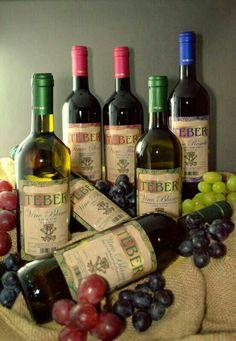 Los vinos de VICOSA, de nuestra línea TEBER..... Vino Blanco seco, Vino Blanco Achampañado, Vino Blanco Semi-seco, Vino Dulce, Vino Rosado Espumoso, Vino Tinto Dulce  y Vino Tinto Seco.