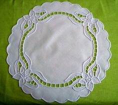 Cutwork Embroidery, Baby Embroidery, White Embroidery, Vintage Embroidery, Embroidery Patterns, Sewing Patterns, Diy And Crafts, Arts And Crafts, Cut Work