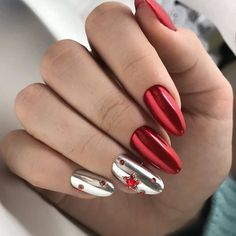 Trendy and fancy manicure in red and silver Xmas Nail Designs, Colorful Nail Designs, Nail Art Designs, Sparkly Nails, Fancy Nails, Cute Nails, Glam Nails, Red Nails, Beauty Nails
