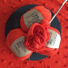SabrinaSweater de Weareknitters con algodón naranja al que yo llamo #Roranja #knitting #knittingisthenewyoga #instaknit #wool #tejer #tejermola #handknitted #handmade #diy #yesweknit #wak #weareknitters #iknit #cotton #algodon #wakstyle