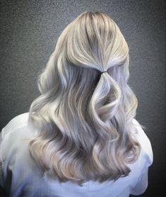 Cool blonde hair #foilyage #coolblonde #blondehair #wellahair #wellacolor @kapsalonhaarvisie @asumanjamal Cool Blonde Hair, Long Hair Styles, Beauty, Beautiful, Hairstyle, Fasteners, Cute Blonde Hair, Long Hairstyle, Long Haircuts