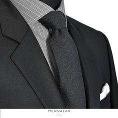 Vi hjelper deg gjerne med å finne tilbehøret som passer perfekt til deg! 👔👞  http://menswear.no/tilbehor/slips #menswear_no #menswear #dress #oslo #tjuvholmen #lysaker #bogstadveien #hegdehaugsveien #dress #jobb #fest #viero #vieromilano #suit #suitup #slips #viero #details