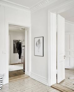 Everyday we share our stories and passions for home design and great architecture. Minimalist Interior, Minimalist Home, Classic Interior, Interior Architecture, Interior And Exterior, Design Ikea, Style Loft, Appartement Design, Home And Deco