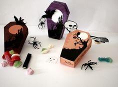 DIY tuto Pour halloween on fait des boîtes en forme de cercueils !