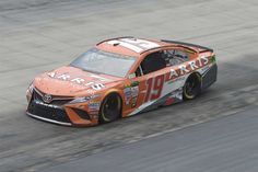 Food City 500 (Bristol) April 23, 2017 Daniel Suarez will start 23rd in the No. 19 Joe Gibbs Racing Toyota Crew chief: Scott Graves Spotter: Chris Osborne