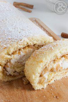 Ich zeige dir mein Rezept für eine unwiderstehliche Biskuitrolle mit Apfel, Sahne und Zimt zum Nachbacken. Eine perfekte leichte Torte für den Winter.