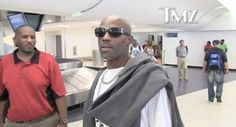 [Watch] DMX (@DMX) Details Which Dog Food is Best to Eat- http://getmybuzzup.com/wp-content/uploads/2014/07/DMX-Details-Which-Dog-Food-is-Best-to-Eat.jpg- http://getmybuzzup.com/dmx-details-which-dog-food-is-best-to-eat/- Has DMX Ever Eaten Dog Food Before? ByAmber B It's no secret that DMX is an avid dog lover. HOWEVER, we were not aware that he eats dog food from time to time. TMZ caught up with X in the airport where they asked him if he had to live off dog food, which