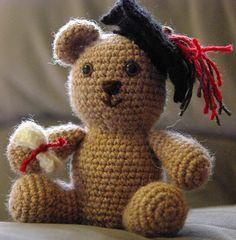 amigurumi graduation crochet pattern. free