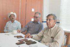 Visita Cárdenas al doctor Mireles