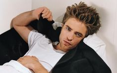 Robert Pattinson Wallpapers - Hollywood Actor Robert Pattinson Wallpapers, Free Robert Pattinson Wallpapers, Robert Pattinson Photos collection for your desktop.