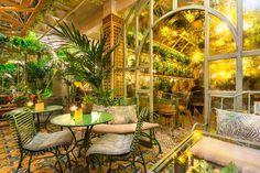 Invernadero del Salvador Bachiller de Gran Vía. Madrid Nightlife, Madrid City, New Paris, Cool Bars, Restaurant Design, Night Life, Trip Advisor, The Good Place, Places To Go