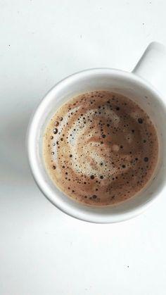 Coffee Girl, I Love Coffee, Coffee Break, My Coffee, Morning Coffee, Coffee Shot, Coffee Cafe, Coffee Drinks, Aesthetic Coffee