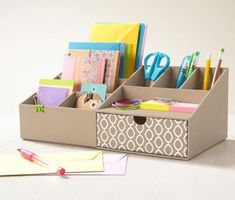 Cardboard Organizer, Cardboard Crafts, Paper Crafts, Desk Organization Diy, Diy Desk, Office Storage, Crafts To Do, Home Crafts, Diy Crafts