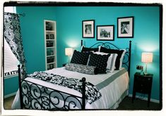 turquoise walls with black & white bedding & accents
