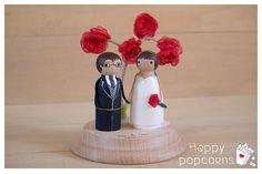 Muñecos personalizados de boda de madera pintados a mano #boda #happypopcorns #muñecostarta #muñecospersonalizados #muñecosboda #boda #topperwedding #noviostarta #muñecosmadera #noviosmadera #noviosparatarta